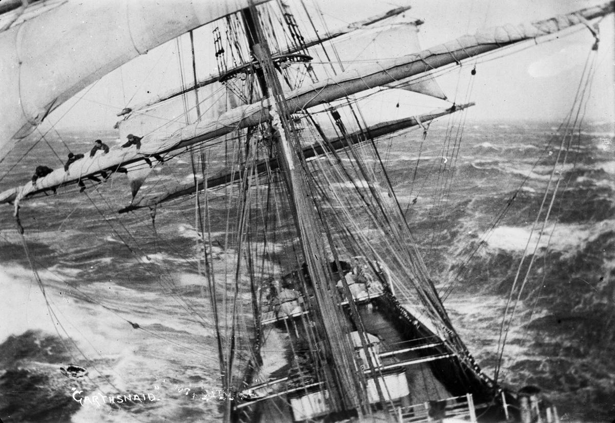 navios-em-apuros